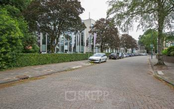 werkplek huren aan amalialaan in baarn met parkeerplek