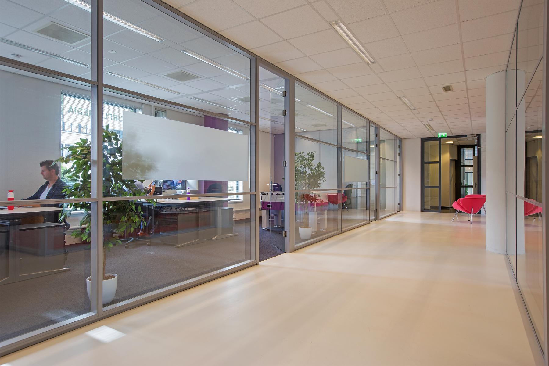 rolstoeltoegankelijke kantoorunits huren aan amalialaan in baarn met rolstoeltoegankelijkheid