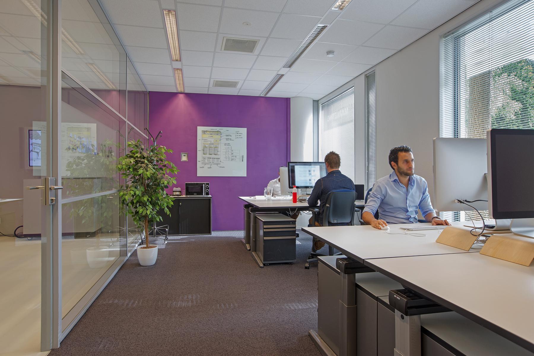 kantoorunits te huur aan amalialaan in baarn met print service