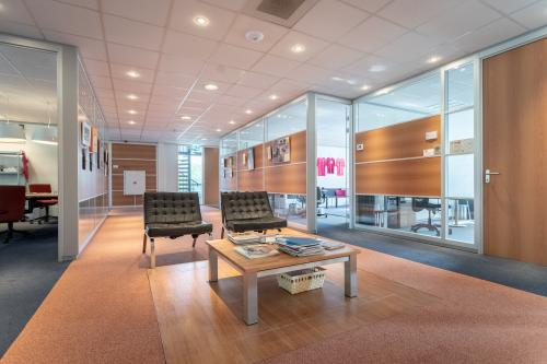 centrale ruimte hal Barneveld kantoorpand kantoorruimte kantoorkamers