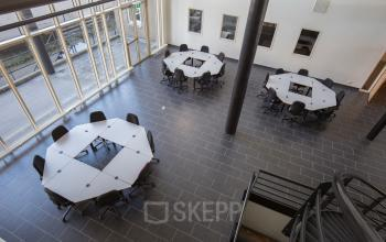 working places round tables barnaveld for rent