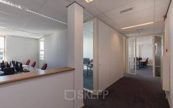 working places for rent in shared office room