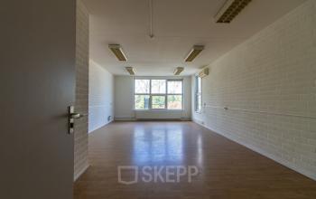 Rent office space Middelweg 25, Beek Lb (8)