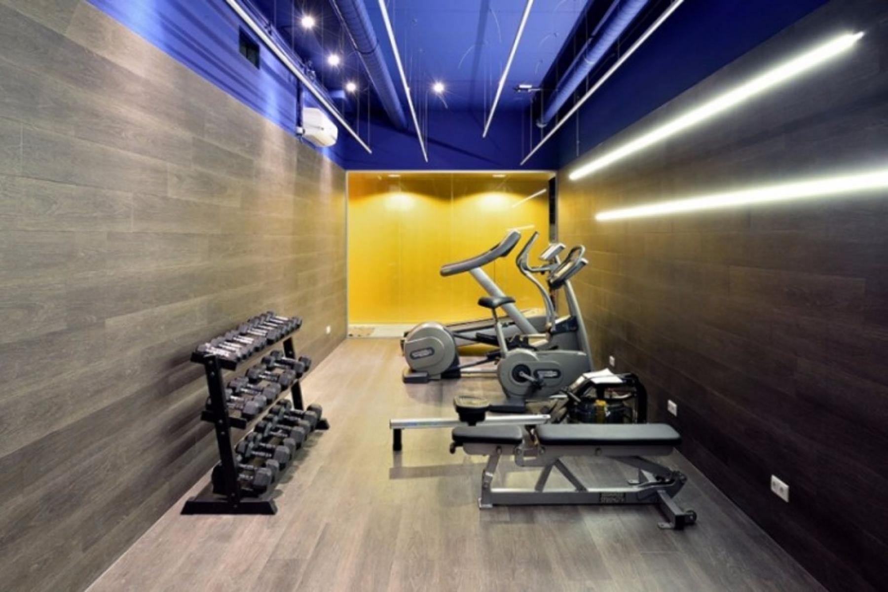 Fitnessroom in office building Den Bosch