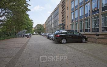 Kantoorruimte te huur met parkeerplaatsen in Den Haag