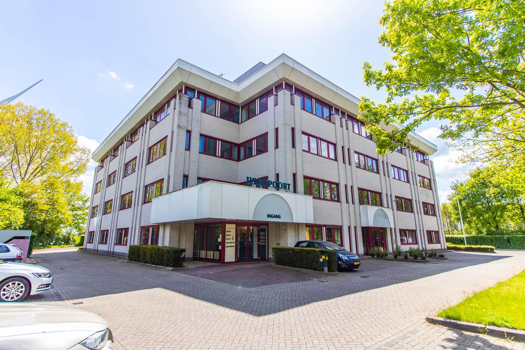 De voorzijde van het kantoorpand aan de Keulenstraat