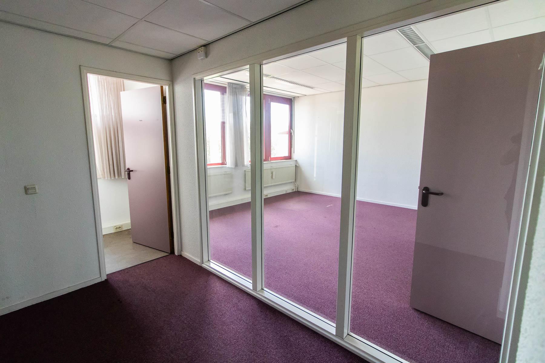 Een open kantoorruimte