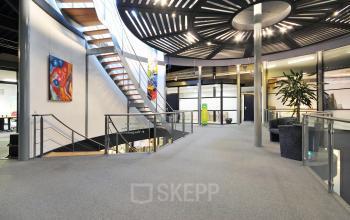 trappenhuis gemeenschappelijke ruimte kantoor duiven stenograaf huur