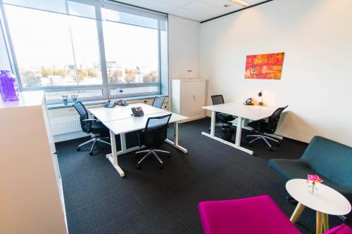 Grote kantoor plekken met natuur licht