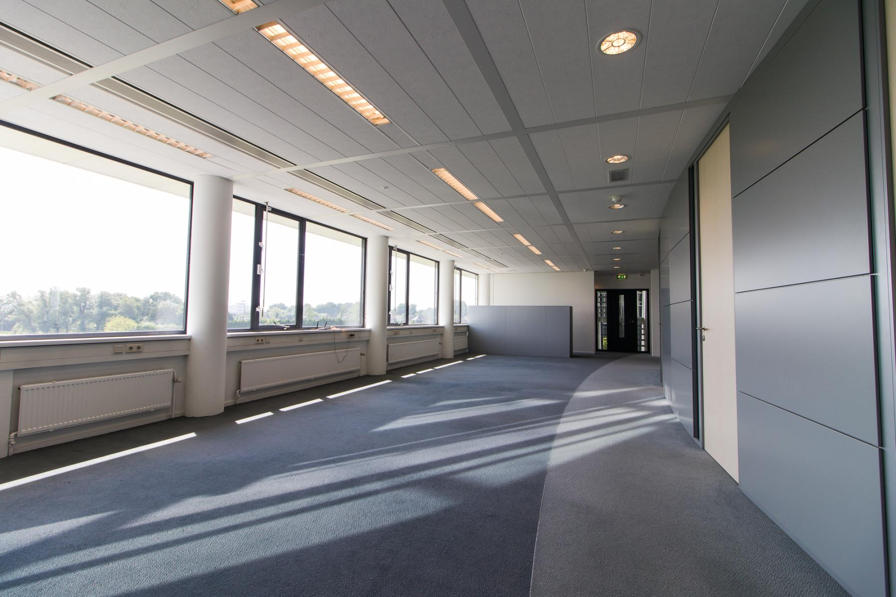 Different office sizes with flexible system walls