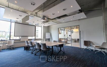 Conference rooms with different sizes available