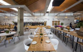 restaurant binnenzijde kantoorgebouw Eindhoven Noord Brabantlaan