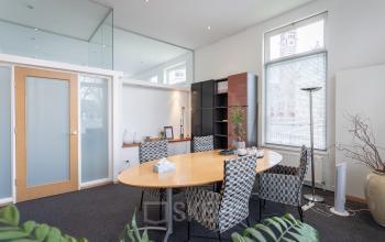 Nette ingerichte gemeubileerde lichte kantoorruimte Groningen