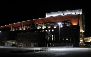 Voorzijde Groningen kantoorruimte nacht buiten