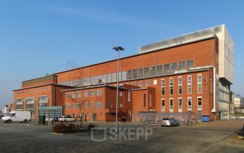 vooraanzicht overdag kantoorruimte Groningen SKEPP