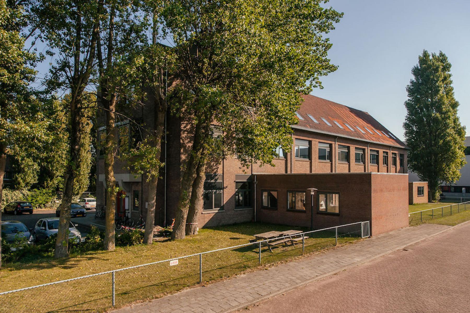 office building haarlem for rent