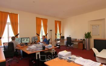 kantoorruimte meubilair bureau ingericht Heerenveen