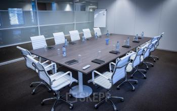 meeting room kruisweg white chairs