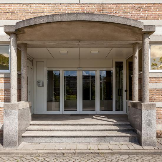 entrance office building leiden stairs