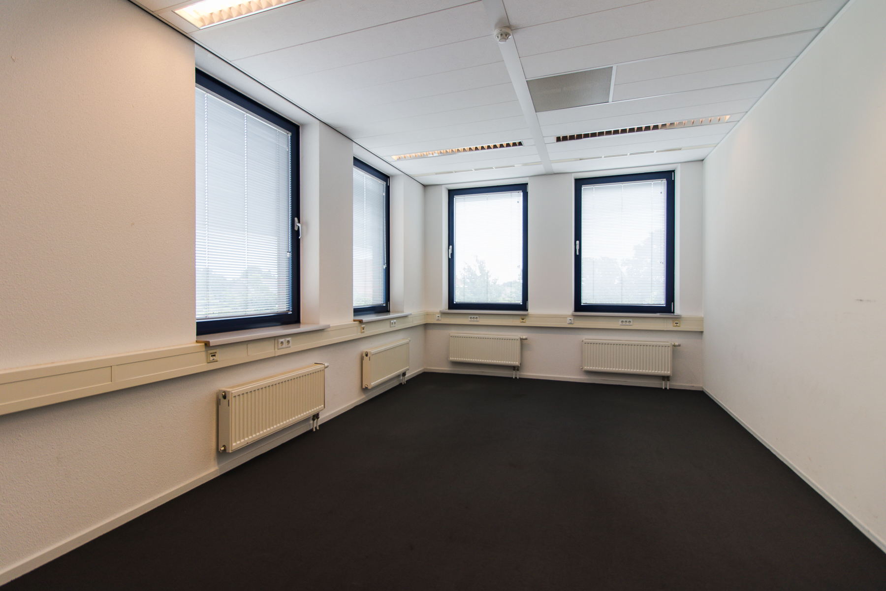 Multiple office spaces for rent at Maastricht Airport