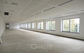 nog in te richten kantoorruimte op maat te huur ramen uitzicht naarden kantoorpand huren