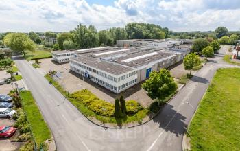 office space roosendaal flat roof on the edge