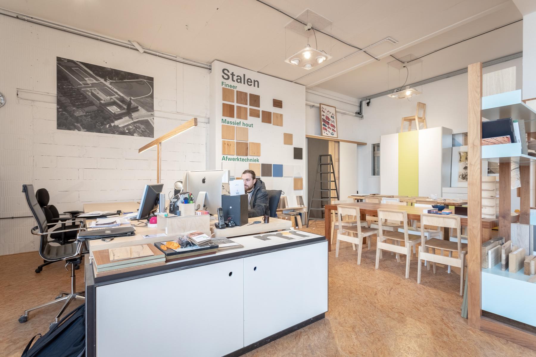 Rotterdam airport flexplekken werkplekken meubelmakerij industrieterrein gratis parkeren