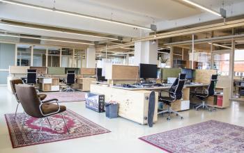 rotterdam working desks own screen