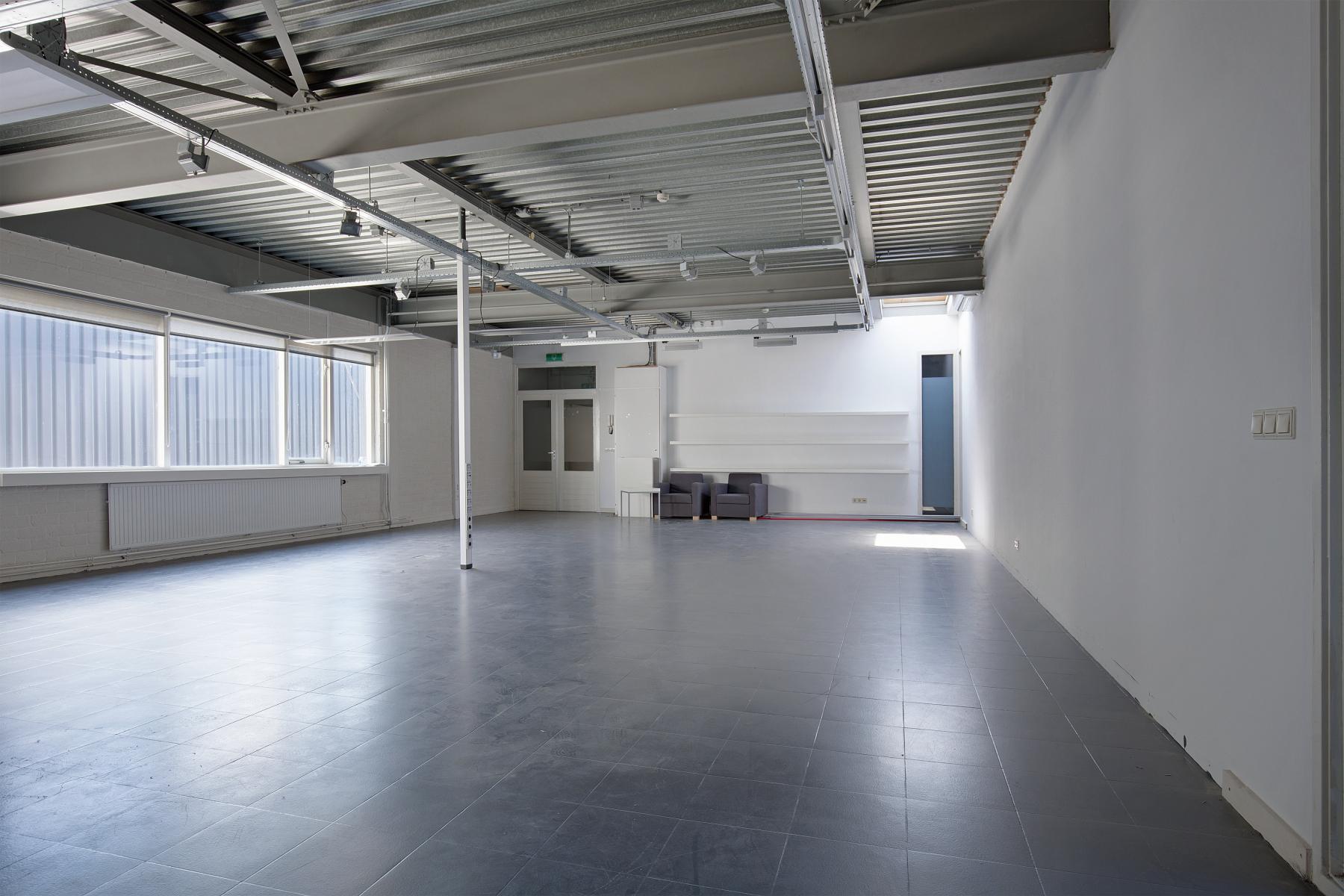 kantoorruimte huren aan van helmontstraat in rotterdam met wifi