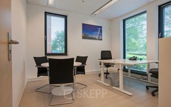 werkplek kantoorpand rotterdam lichtenauerlaan