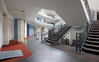 flexplek te huur Rotterdam Kruisplein trappenhuis binnenzijde