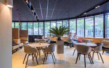 kantoorpand huren aan coolsingel in rotterdam met restaurant