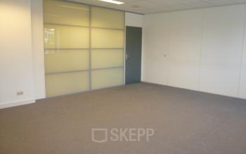 kantoorkamer te huur rotterdam vloerbedekking