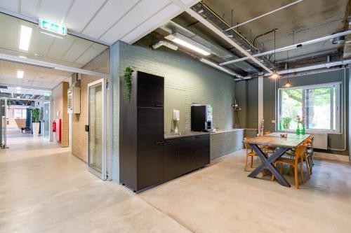 Kantoorruimte huren Van Heekstraat 15, Schiedam (2)