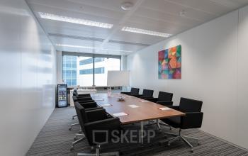 Grote vergaderruimte boardroom bespreekkamer Amsterdam schiphol