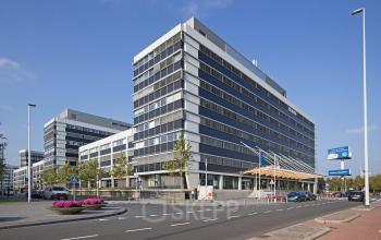 buitenkant kantoorgebouw kantoorpand voorgevel Amsterdam