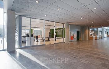 gang kantoorpand kantoorgebouw Amsterdam Schiphol SKEPP