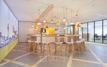 lounge sociaalhart kantoorpand kantoorgebouw Schiphol