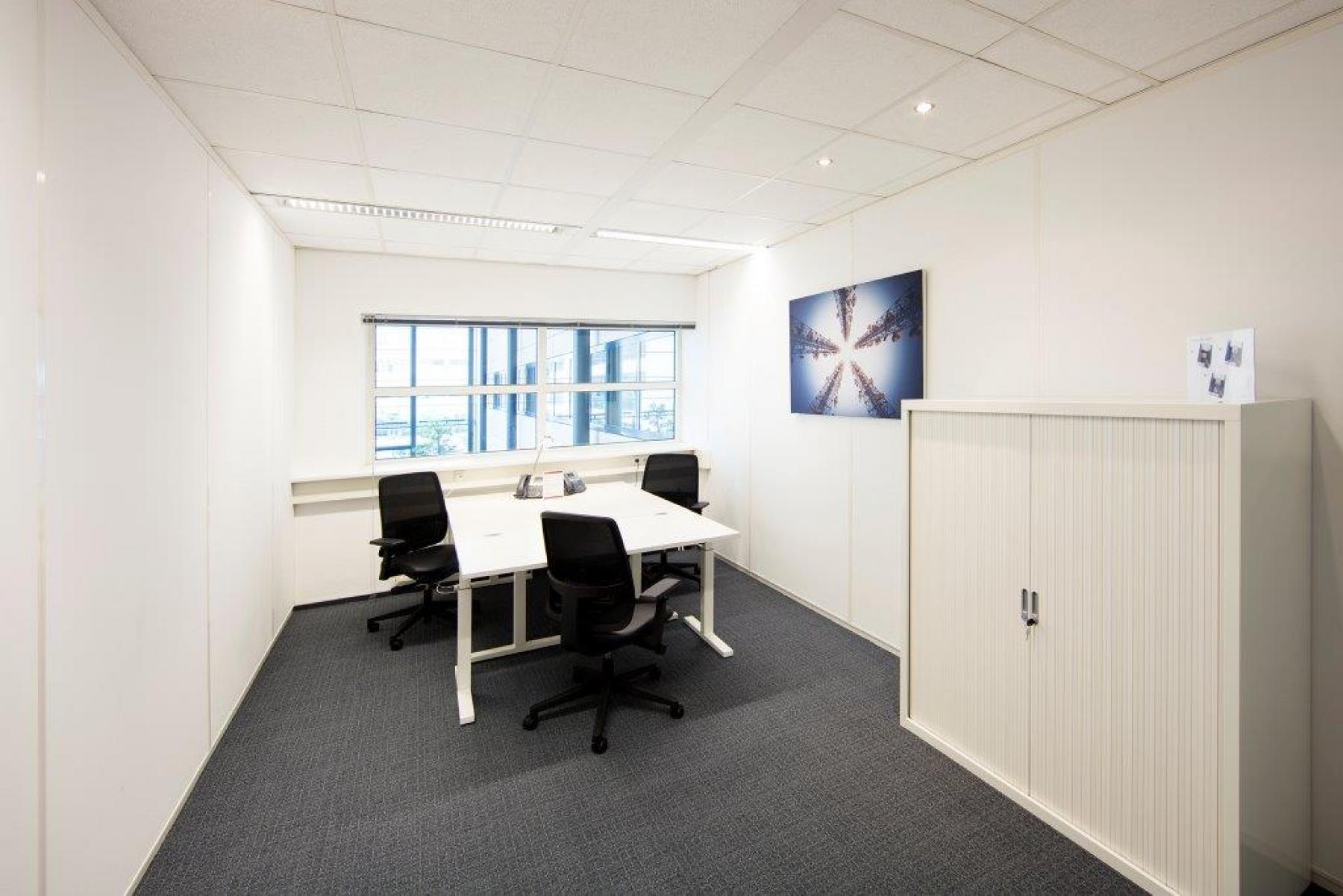 gemeubileerde gestoffeerde inspirerende kantoorruimte schiphol amsterdam kast tof flexibel huur