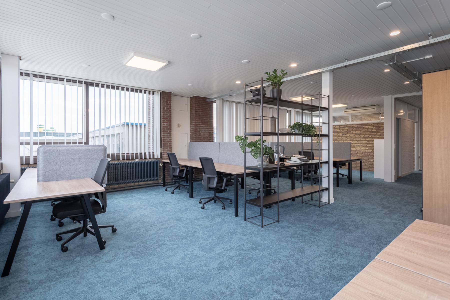 werkplekken flexplekken kantoorruimte kantoorpand Utrecht netjes gerenoveerd oud fabriekspand