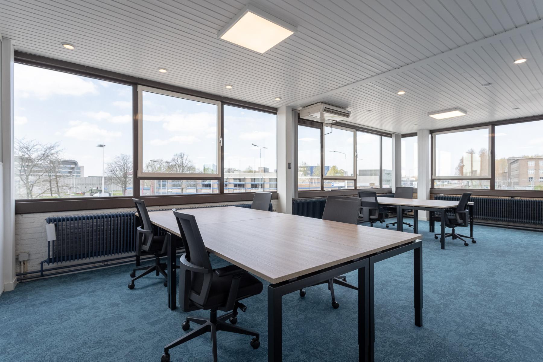 kantoorruimte ingericht meubels kant en klaar Utrecht Atoomweg