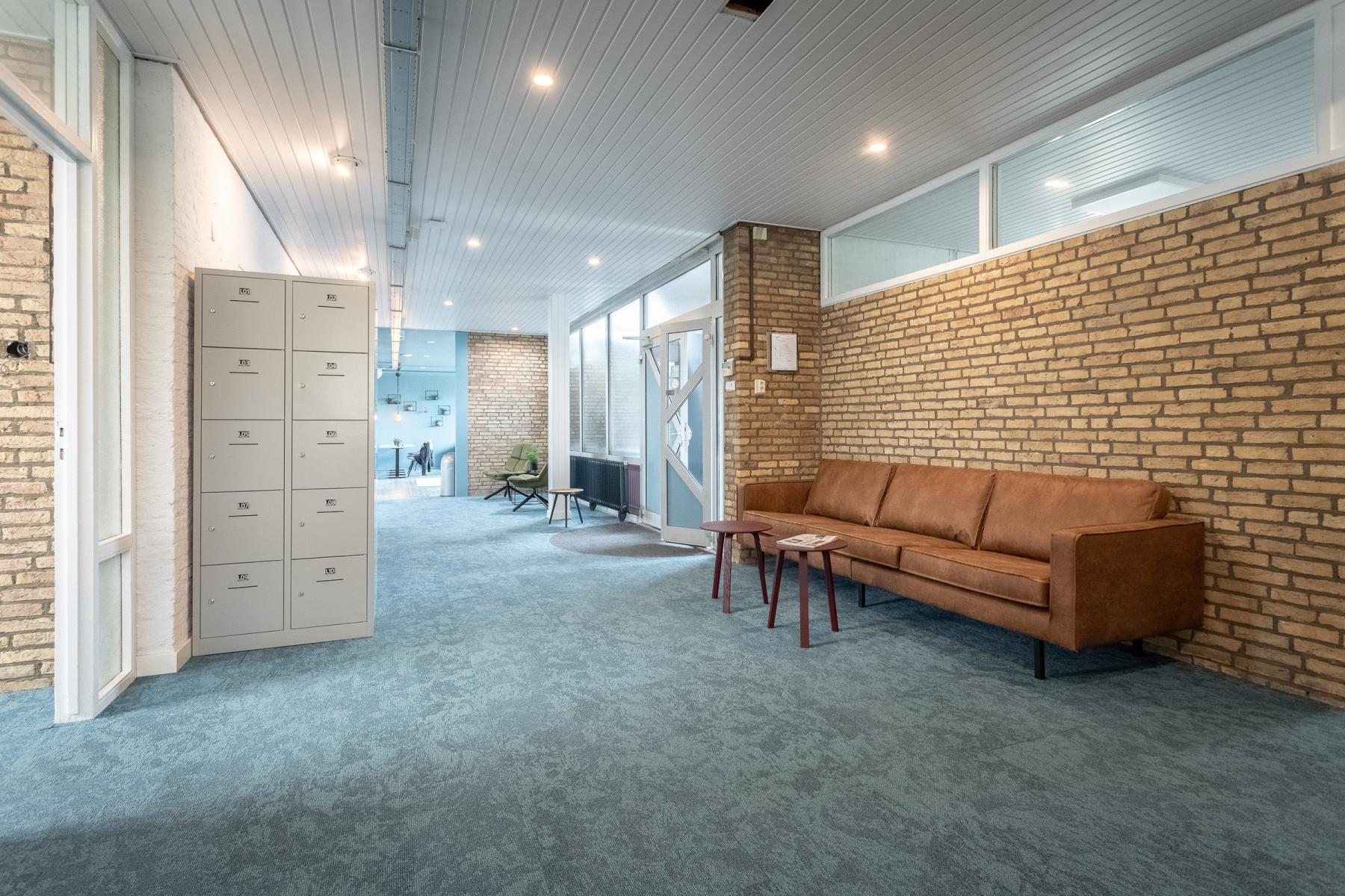 Centrale hal kluisjes hangplekken kantoorruimte