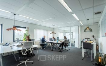 lichte ruime kantoorruimte werkplek Utrecht stad