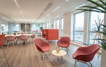 kantoor pand Utrecht mooie locatie parkeergarage winkelcentrum netjes schoon