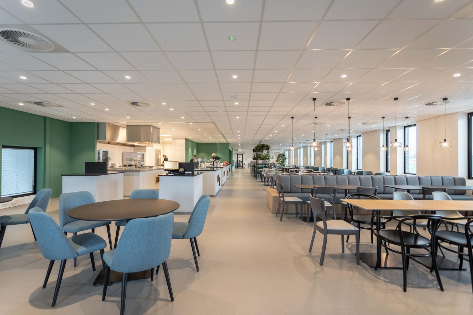 Utrecht van deventerlaan kantoorruimtes gemeubileerd kantine vergaderzalen parkeergarage