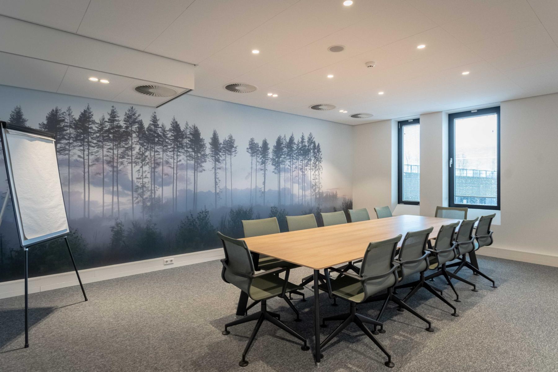 Utrecht van deventerlaan vergaderzaal gemeubileerd kantoorruimtes kantoorgebouw