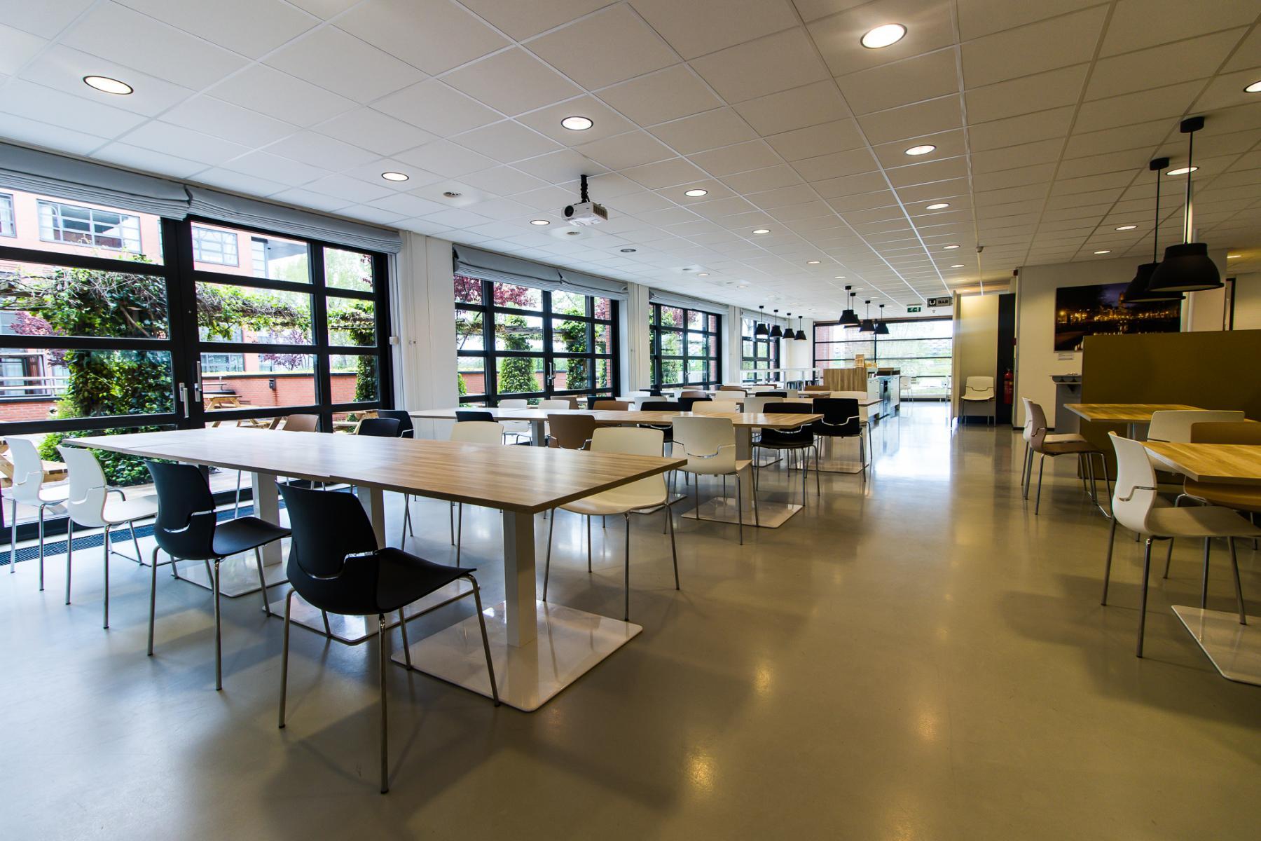 Spacious and light canteen at Zonnebaan Utrecht