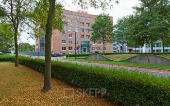 buitenkant kantoorgebouw Newtonlaan Utrecht