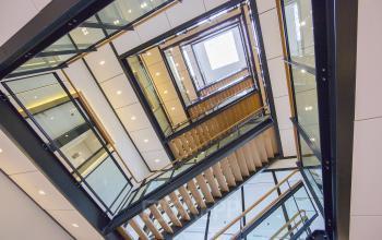 kantoorgebouw newtonlaan utrecht trappenhuis modern kantoor