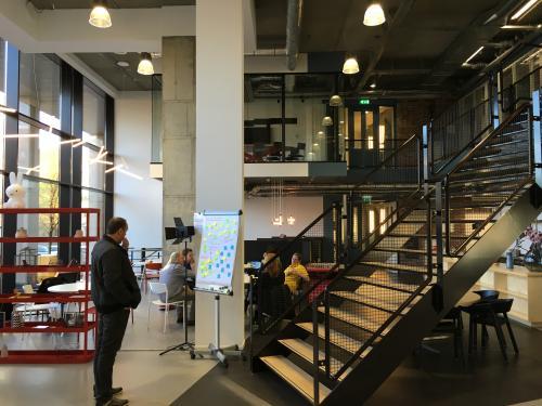 balustrade kantoorpand in utrecht, bijzondere kantoorruimten te huur, kantoorkamers vanaf 4 personen SKEPP